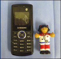 _50869765_416x234_dog_phone1